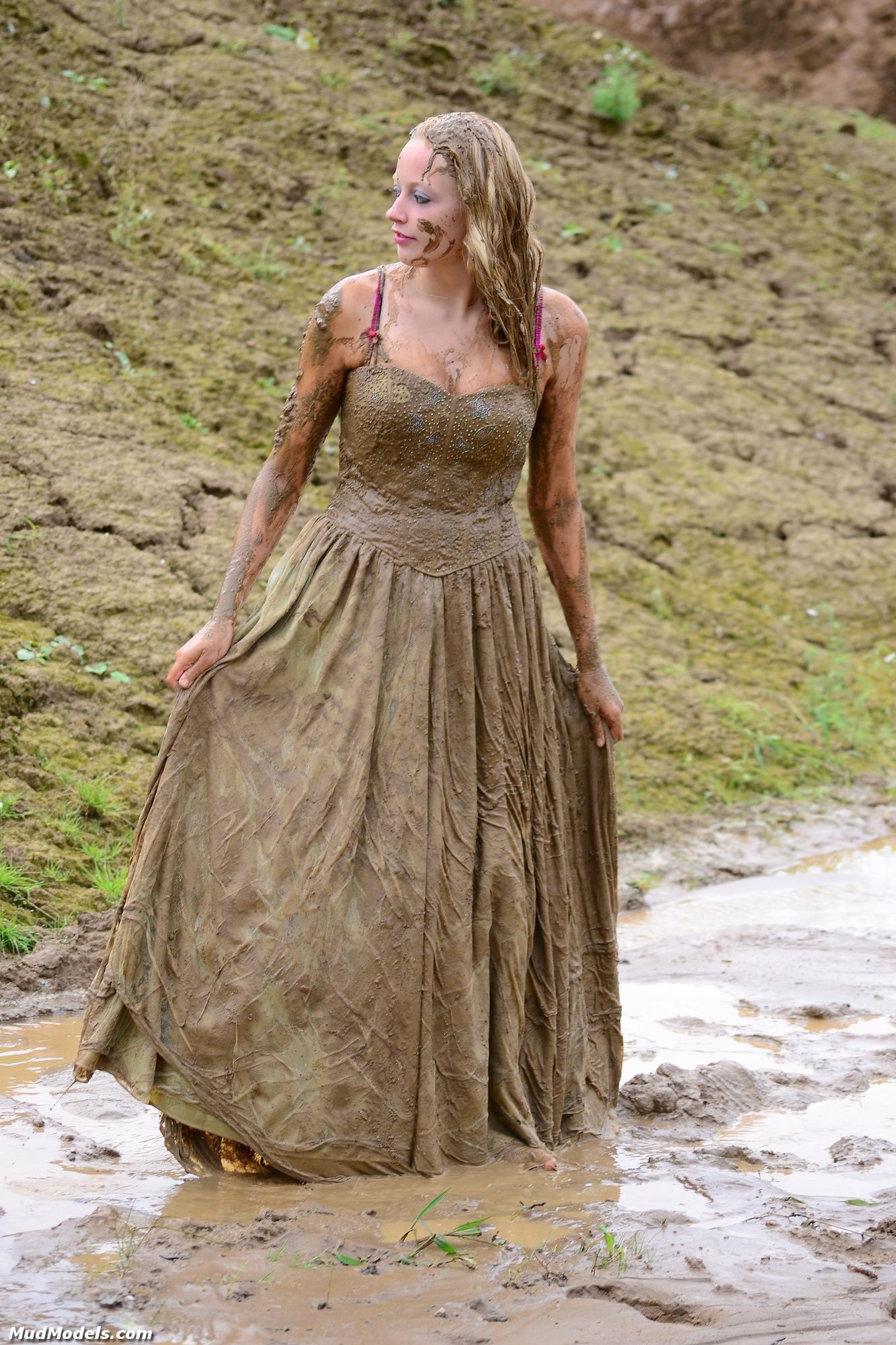 trash dress picture ideas - Trashing Dresses Woman in Mud Bing images